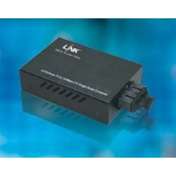 Link UT-0216SM-30 Mini Media Converter แปลงจาก RJ-45 เป็นสาย Fiber Optic แบบ Single Mode หัวต่อแบบ SC ระยะทาง 30 กิโลเมตร